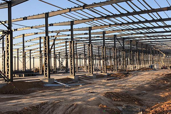 钢结构格构厂房.jpg