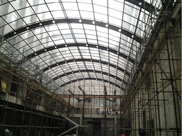 钢结构雨棚1.png